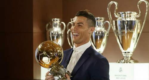 Zidane Sebut Ronaldo Layak Menangkan Ballon d'Or